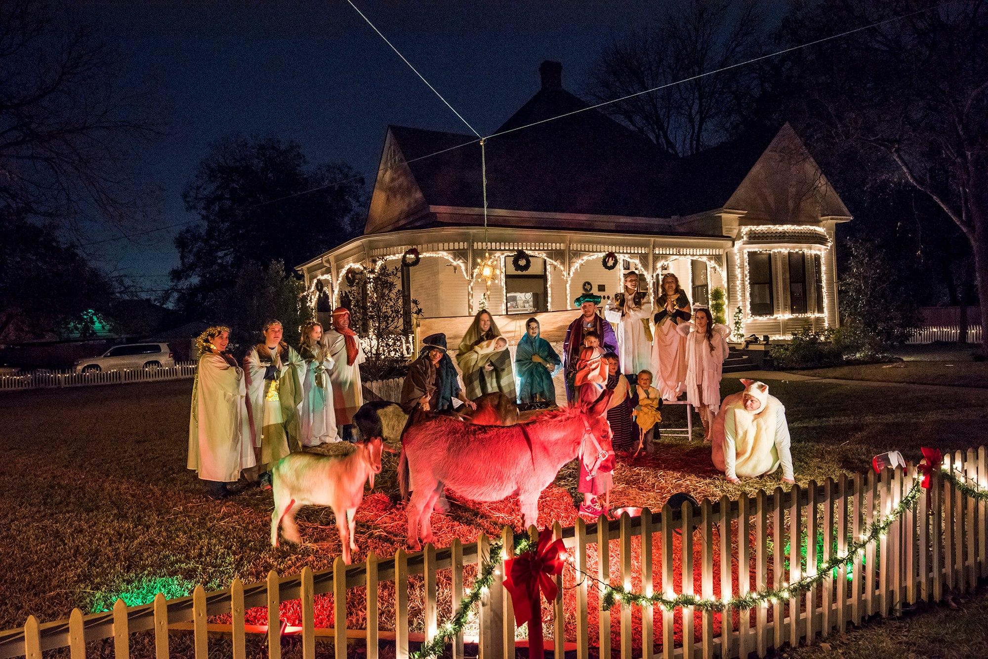 live nativity at benton house