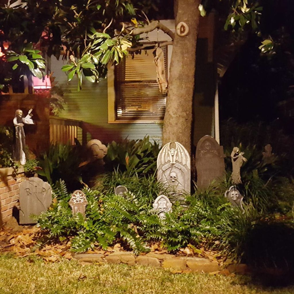 The same house showing the graveyard at night halloweeninfairmount spookyhellip